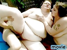 Threesome BBW action